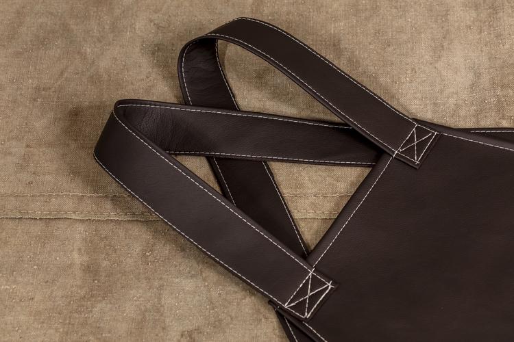 Grillförkläde mörkbrun