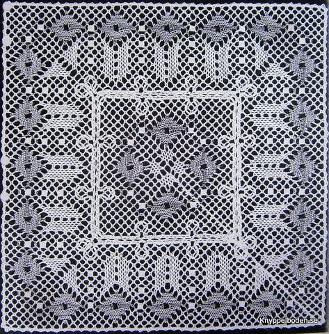 Vallmo 19,5x19,5 cm knypplad i 2 delar