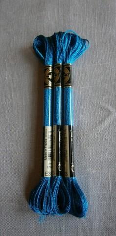 E 3843 Jewel Effects Mörk turkosblå