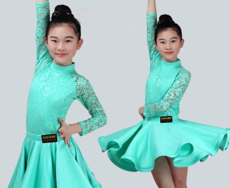 Tävlingsklänning, flera färger