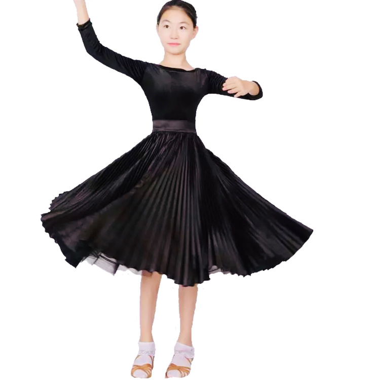 Juniorklänning strl 150cm
