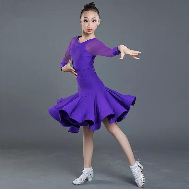 Juniorklänning, flera varianter