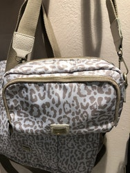 Daily Cross Bag Leo Beige