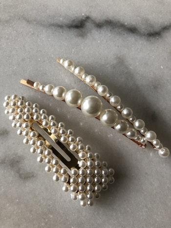 Hårspännen med pärlor  Välj mellan 5 olika