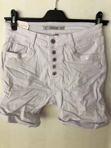 Jeans-shorts med knappgylf  Vit