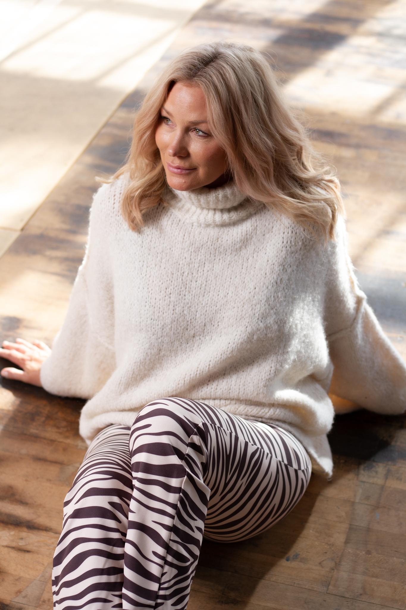 Paula Tröja Off white