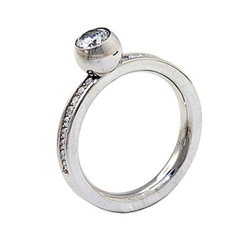 Lina Ring centre stone Steel