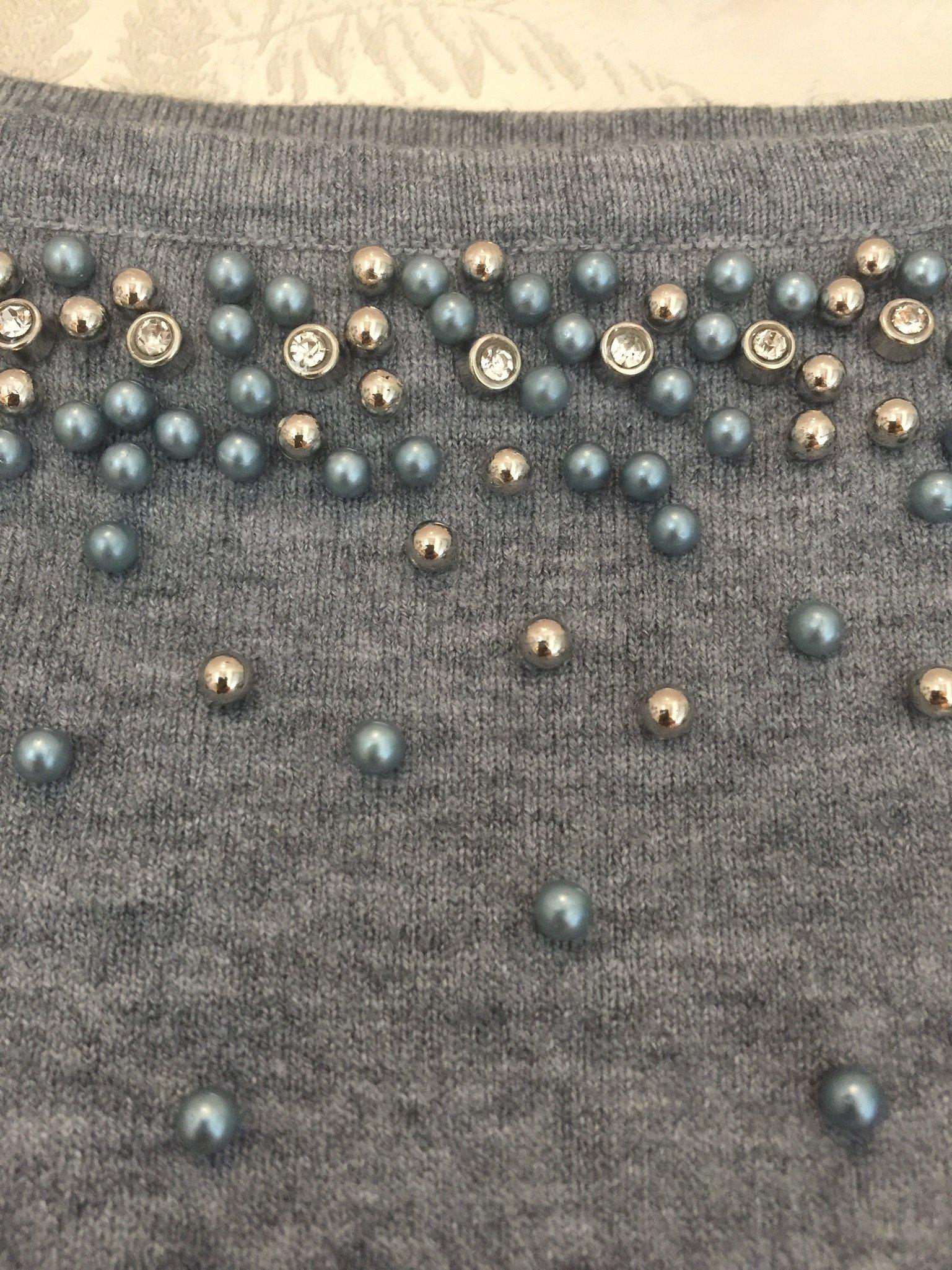Klänning med pärlor Grå
