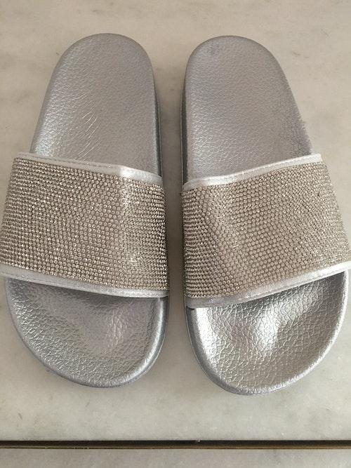 Anastasia slippers