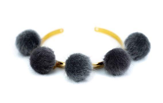 Pompom dark grey