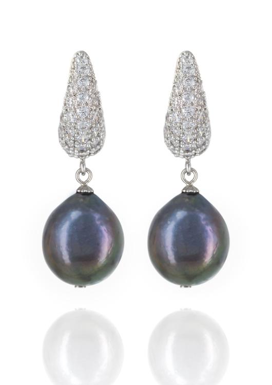 Elizabeth black pearl