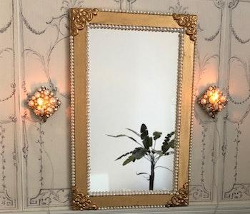 """Spegel & lampetter """"Guld + pärla"""""""