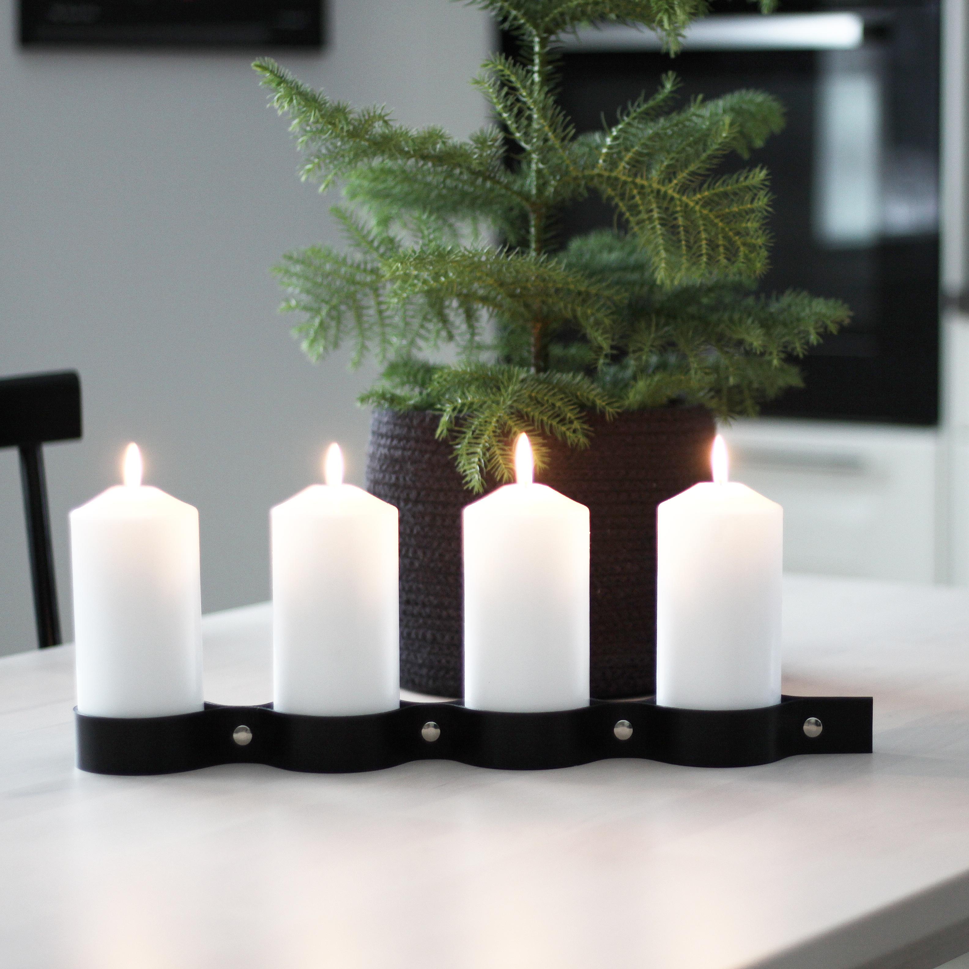 Adventsljusstake ALDERHOLMEN, Svart/Silver