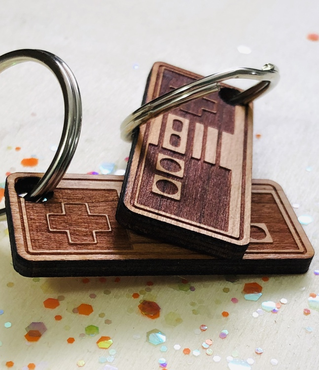 Classic control - nyckelring