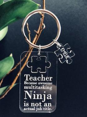 Teacher Ninja! Nyckelring med eget namn