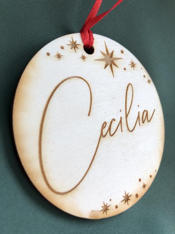 Julprydnad med namn - Trä