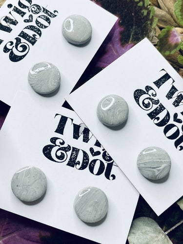 Gray marble studs