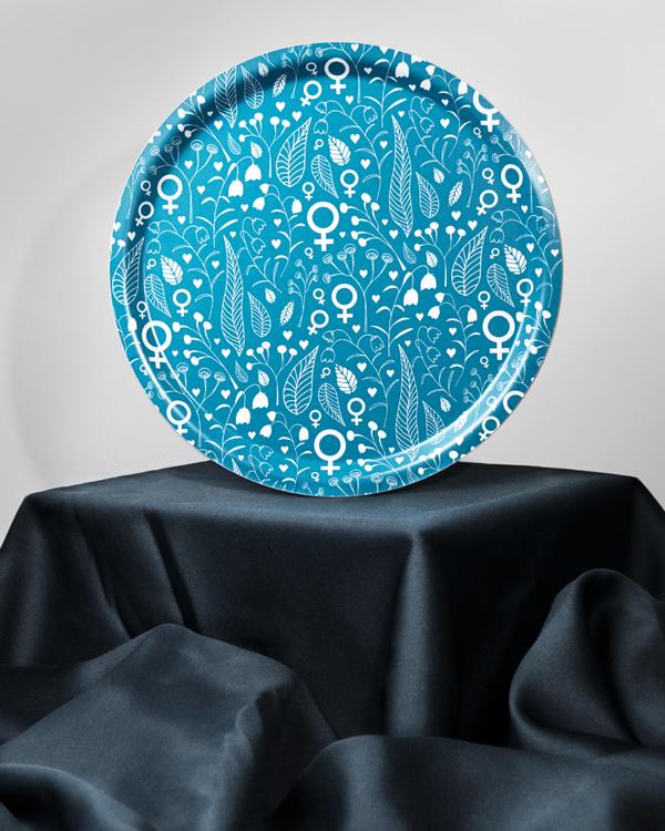 Feministbricka / blomsteräng / havsblå / 31 cm