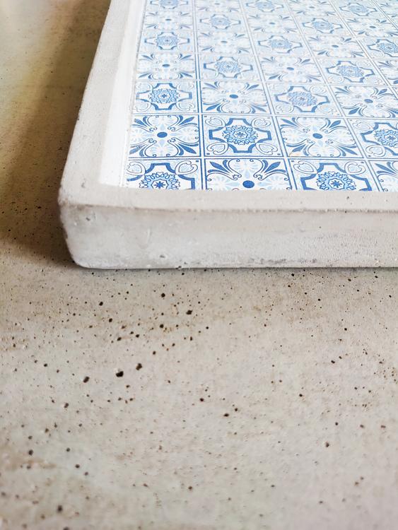 Fat betong blåmönster