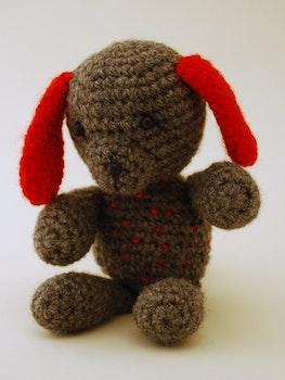 Röda Hund virkmönster amigurumi