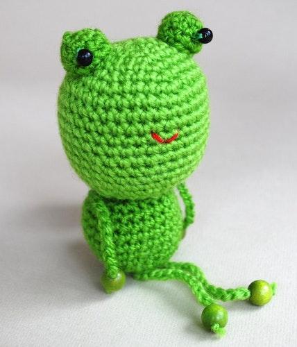 Gröna Grodan virkmönster amigurumi