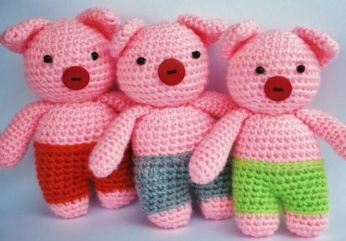 Vargen och de tre små grisarna. Virkmönster.