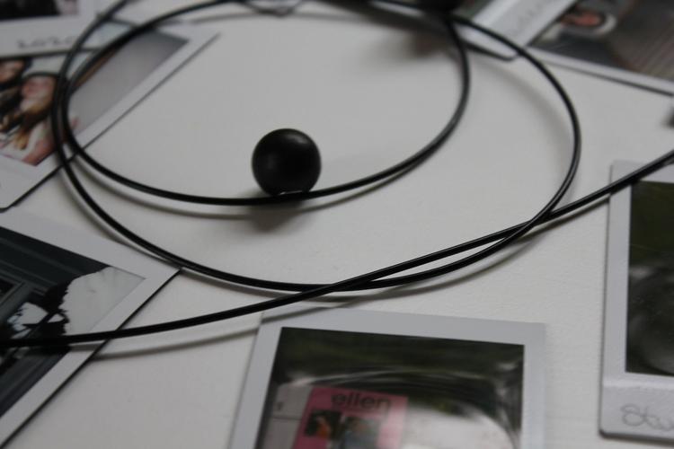 Fotokabel , trämagneter svart