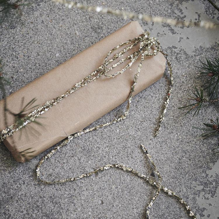 Glitter och pärlsträng,  Antik metallic