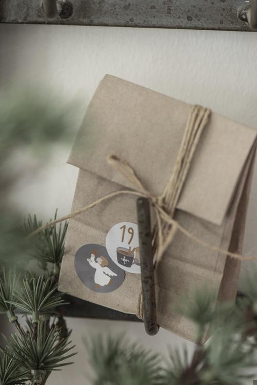 ib Laursen Ark med 24 Julkalender-klistermärken 1-24