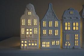 Ljushus i sett med  3 olika hus . variant 2