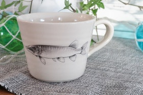 Keramikmugg Gädda - Pusspuss Company