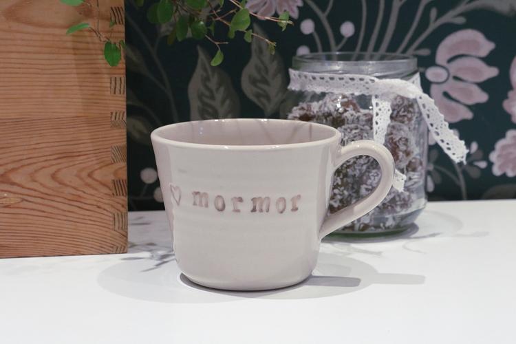 Keramikmugg Mormor - Pusspuss Company