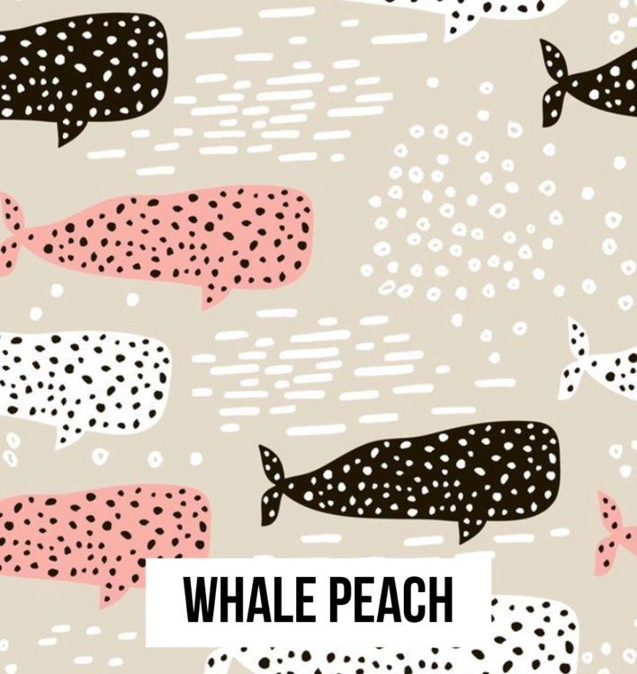 Whale peach tee med uppvikt ärm