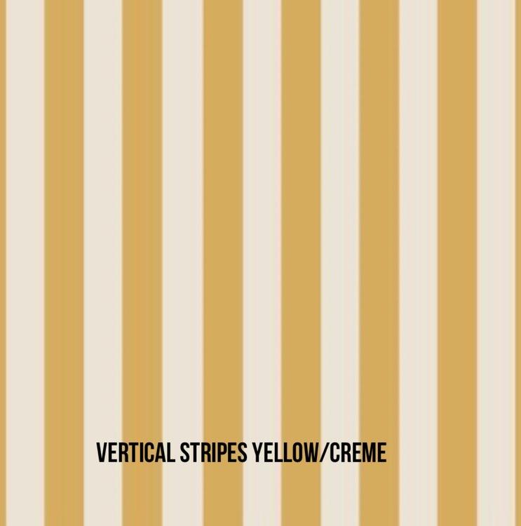 Vertical Stripes yellow rosett mössa