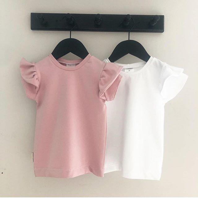 T shirt med volang Valfritt tyg 110-134