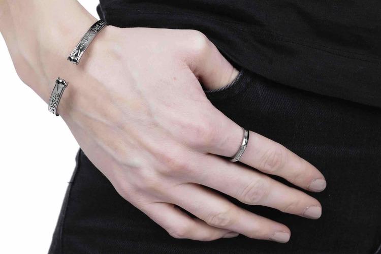 Soldiser Thrud Viking Black Silver Rune Ring