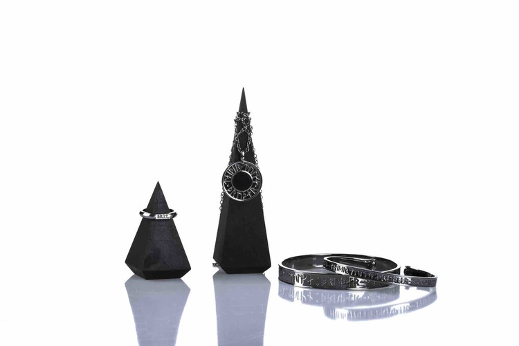Soldiser Goddess Thrud Viking Black Silver Collection