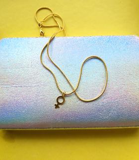 Halsband med kvinnosymbolen i 18K guld