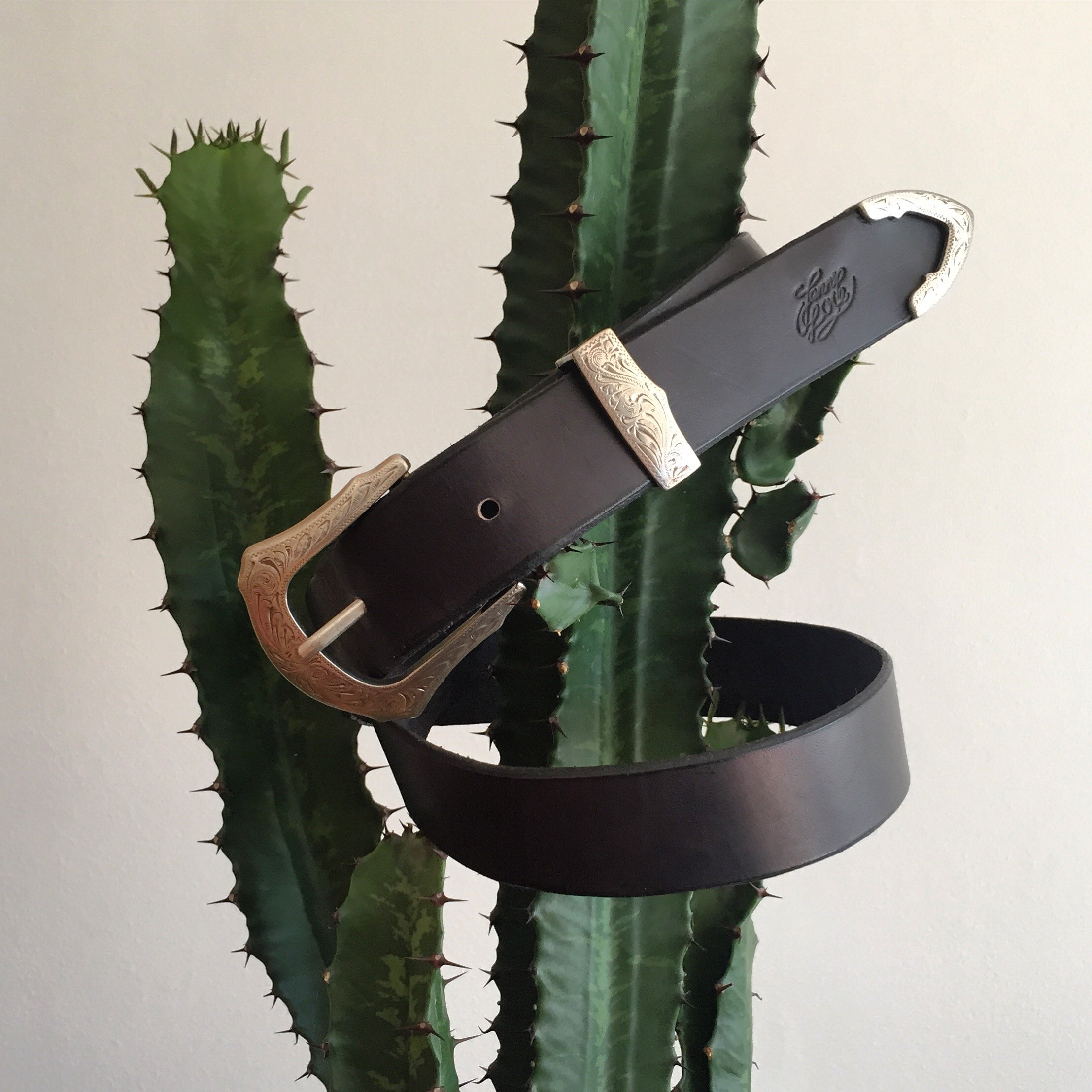 • Leather Belt Wanderlust Silver •