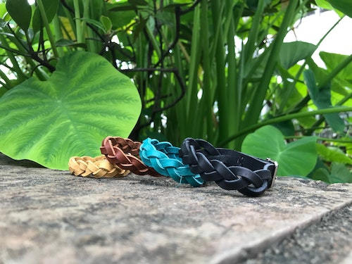 • Braided Bracelet 8 Colors •