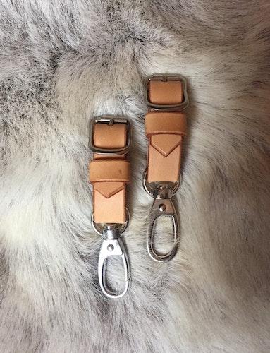 • Hooks for stroller • 5 Colors •