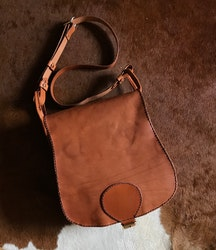 • Saddlebag One Buckle •