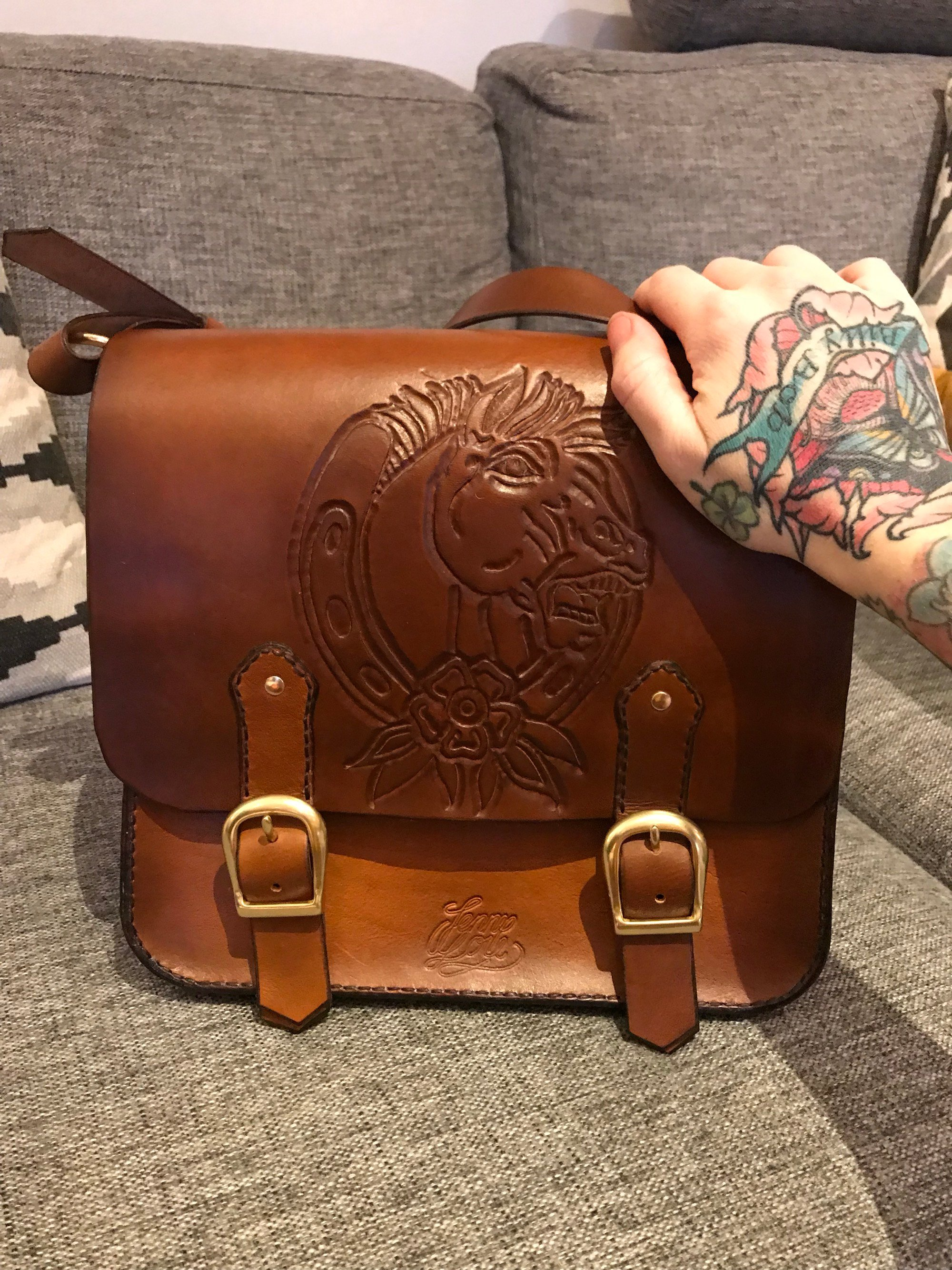 • Saddlebag Emma Bandsåg • 4 Colors •