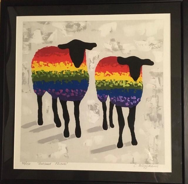 Regnbågsfår målade av kärlek. Vackra färger på tavlan av C.Brüggmann. Konsttryck med ditmålad metallicfärg.