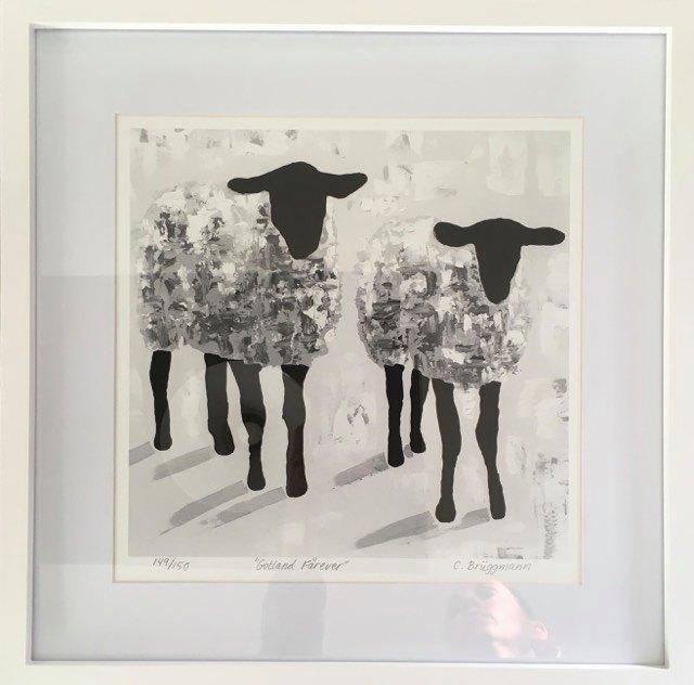Konst till hemmet av C.Brüggmann. Här en fårtavla med grå får som föreställer älskvärda gotlandsfår.