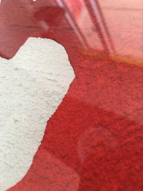 Närbild tavla med hjärta. Hjärttavlor görs av Helsingborgskonstnär C.Brüggmann. Kärleksfull konst till hemmet.