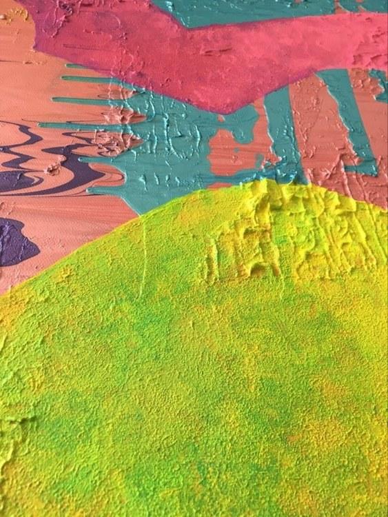 Färgglad konst i form av ett hjärta av C.Brüggmann från Helsingborg i Sverige. Nutidskonstnär med tyska rötter.