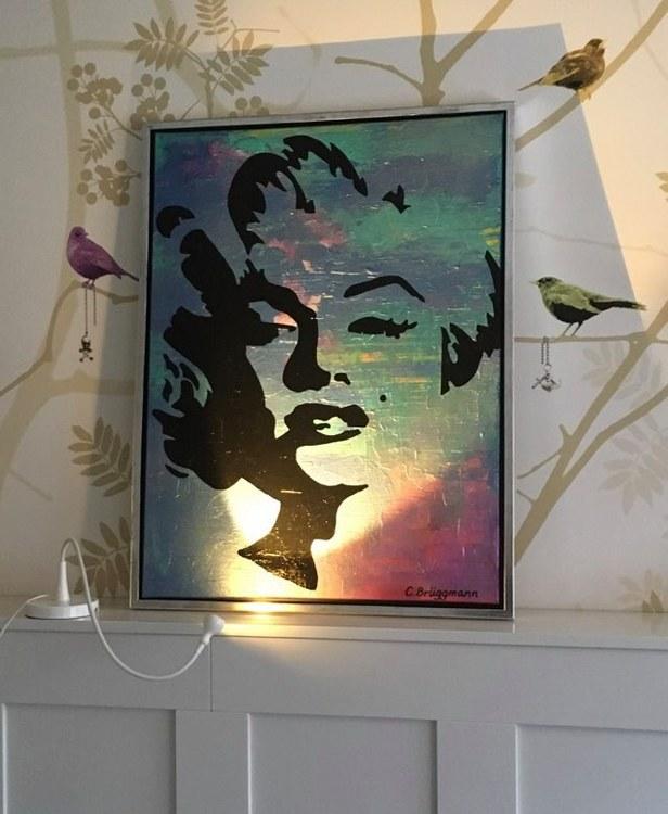 Snygg tapet och tavla! Inred ditt hem med originalkonst. Originaltavlor köps på cbruggmann.se