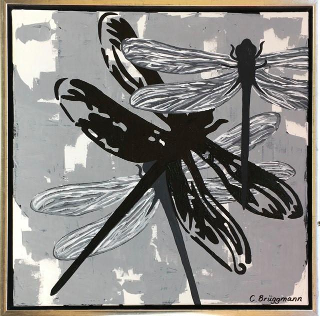 C.Brüggmann har målat tavlor med trollsländor. Här en originalmålning i grått/vitt/svart. Inred med konst.