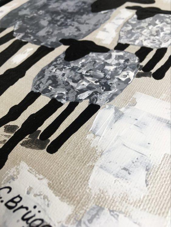 Kvinnliga konstnärer gör olika saker. Här målar C.Brüggmann fårtavlor inspirerade av sin vistelse på öjn Gotland.